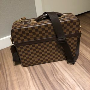 Beautiful Louis Vuitton Briefcase- 100% Authentic
